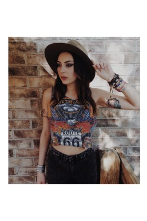 denim H&M jeans - thrifted vintage hat - crop Urban Outfitters top