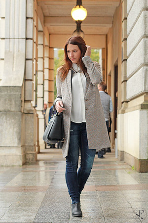 gray Taifun coat - navy Guess jeans - white Primark blouse