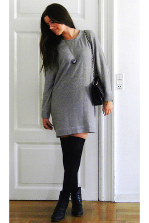 Zara sweater - H&M stockings - Din Sko boots - Chanel purse
