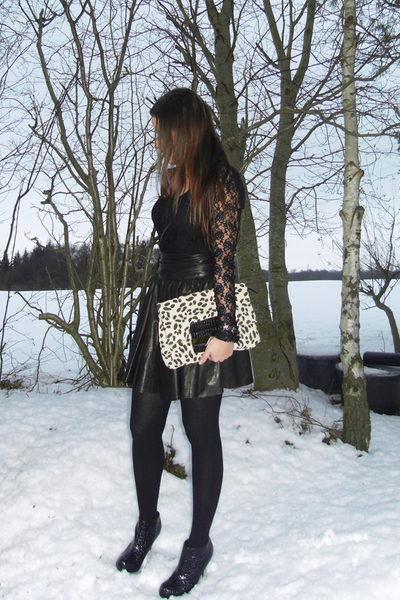 black lace GINA TRICOT blouse - black croco Dorothy Perkins boots