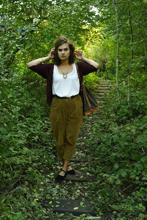 brown vintage pants - red H&M cardigan - brown vintage bag - gold Accessorize ne