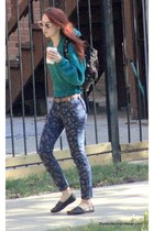 colors cool green top blue floral pattern pants  http://www.styleswomenwear.com/