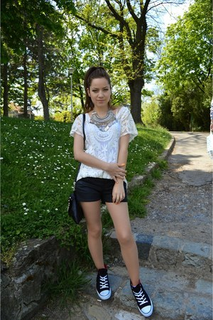 black Calliope shorts - white lace top - black Converse sneakers