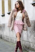 light pink Styligion earrings - ivory Three Floor dress