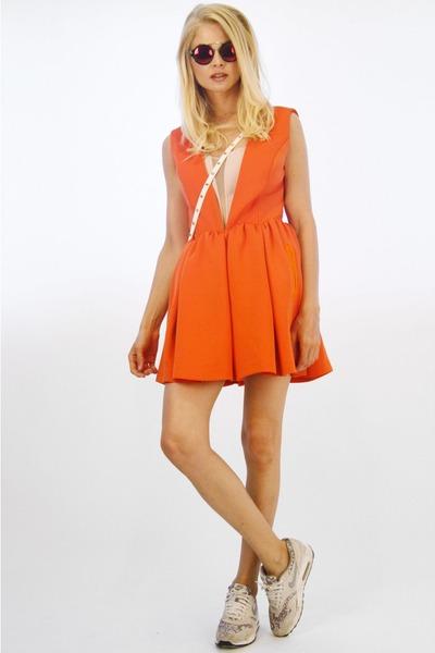 Orange Three Floor Dresses White Hibou Bags  &quotShow colour!&quot by ...