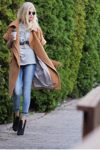 camel Three Floor coat - blue just female jeans - black Spitfire sunglasses
