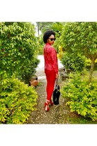 black quilted Aldo bag - ruby red hollister pants