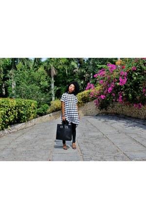black Boohoo top - black Sophie Hulme bag - black stuart weitzman heels