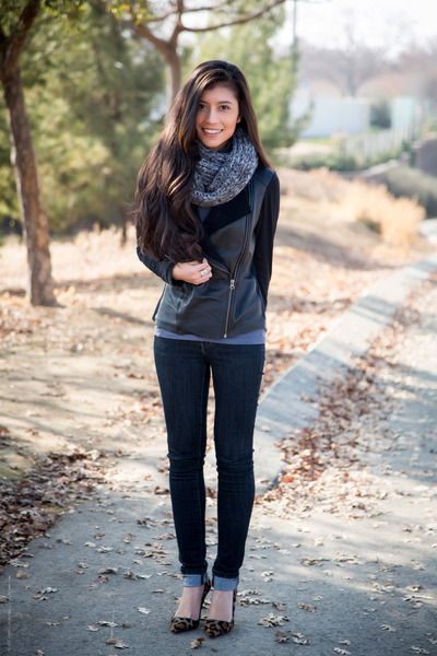 charcoal gray wool Michael Stars scarf - black leather Michael Stars jacket