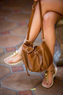 Light-brown-leather-sole-society-bag-white-michael-stars-shorts
