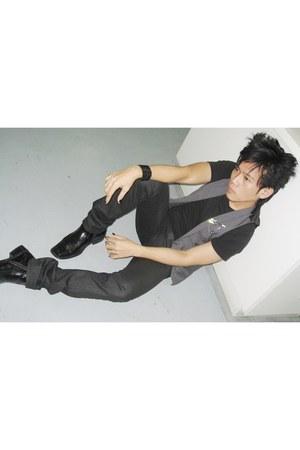 manels bootie boots - prp gray vest vest - t-shirt - accessories - pants - acces