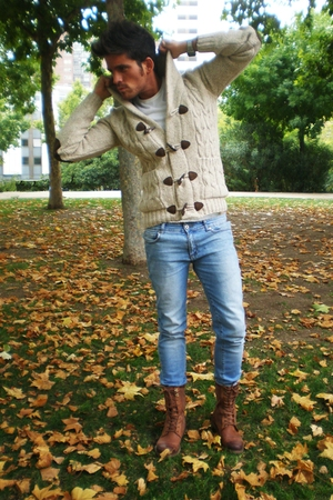 brown pull&bear boots - blue Cheap Monday jeans - beige pull&bear cardigan