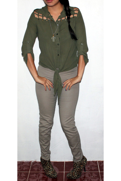 light brown animal print Qupid boots - army green cut out unknown brand blouse