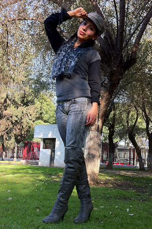 gray old boots - heather gray Paris Blues jeans - gray old scarf