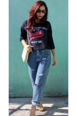 ivory chain c&a bag - blue boyfriend jeans Levis jeans