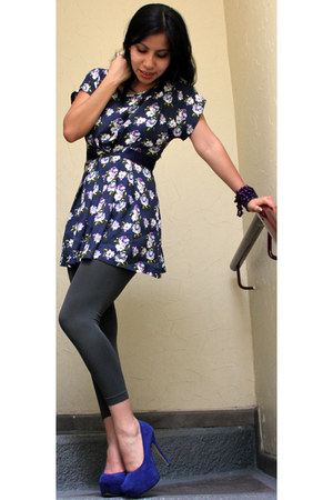 blue terra pumps - dark gray Tienda local leggings - navy mama blouse