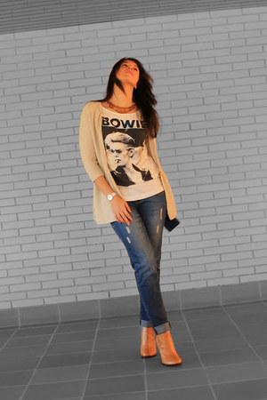 camel leather Zara boots - blue boyfriend Mango jeans
