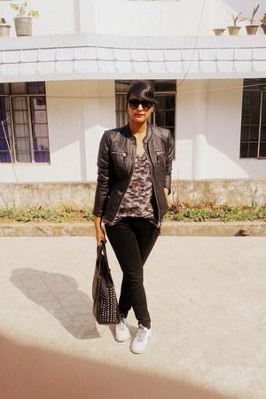 Zara sunglasses - Vero Moda jacket - Zara t-shirt - nike sneakers