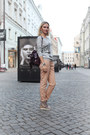 Heather-gray-pull-bear-sweatshirt-neutral-zara-pants