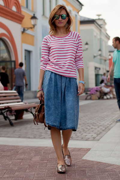 brown Mulberry bag - blue River Island skirt - pink Miista loafers