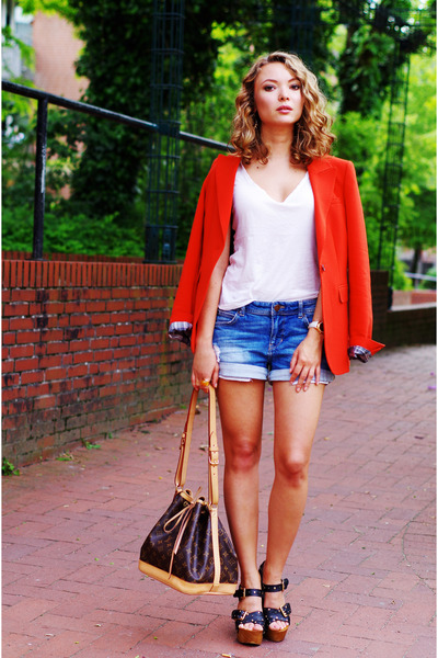 Rezultate imazhesh për Red Blazer and Jean Shorts