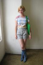 purse - shorts - boots - t-shirt