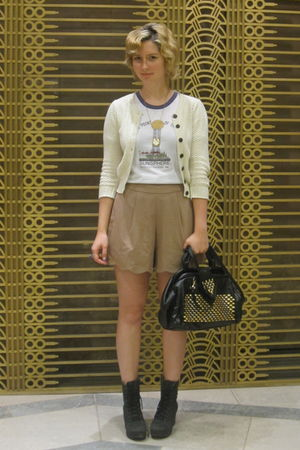 beige Queens Wardrobe shorts - black Jeffrey Campbell boots - black vintage purs