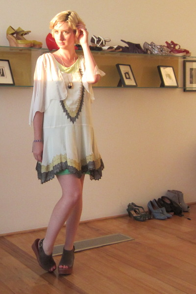modcloth wedges - ryu dress - vintage necklace