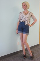 Line & Dot top - vintage shorts - Irregular Choice heels