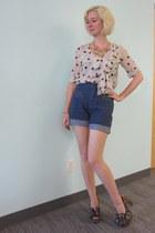 Line & Dot top - vintage shorts - Irregular Choice heels