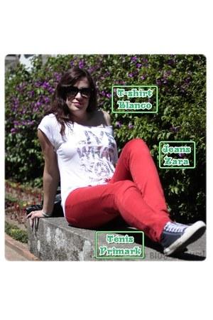 BLANCO t-shirt - Zara jeans - Primark sneakers