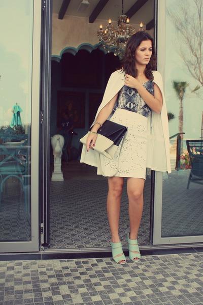 black colourblock Shoemart bag - white trench coat iconic coat