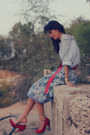 Red-vintage-belt-boyfriend-shirt-gap-shirt-light-purple-cherokee-skirt