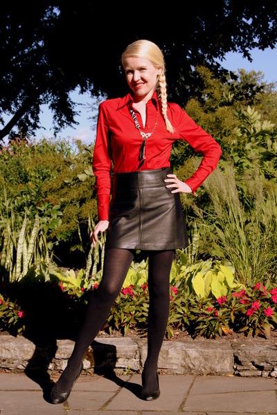 black camaieu skirt - ruby red H&M Trend shirt