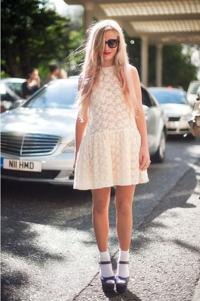 eggshell lacey Forever 21 dress