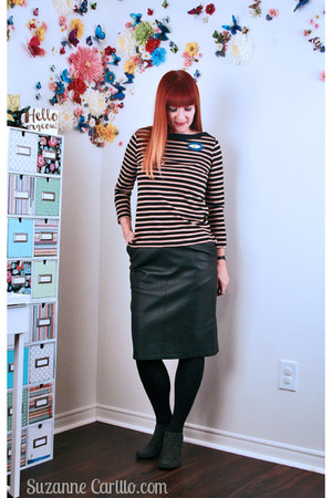 black leather thrifted skirt - camel striped Club Monaco top