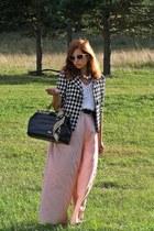 black vintage bag - black Mango blazer - tan leopard print vintage scarf
