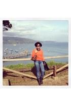 orange cashmere SS Cachemiras sweater - gray leather Americanino boots
