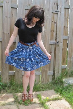 black Gap t-shirt - blue banana republic skirt - tawny McKenzie wedges - dark br