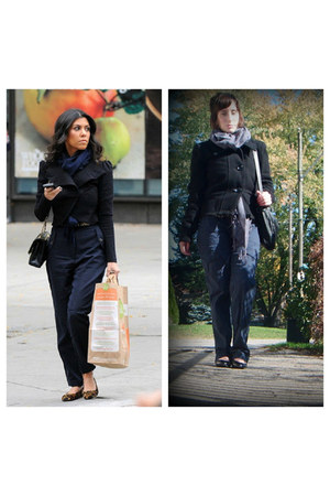 black Dexflex flats - black pea groggy coat - light gray unknown scarf