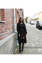 black GINA TRICOT dress