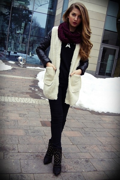 Sheinside coat - black Zara boots - black no name jeans - maroon no name scarf