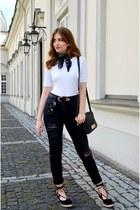 black H&M jeans - white Bershka top - black no name flats