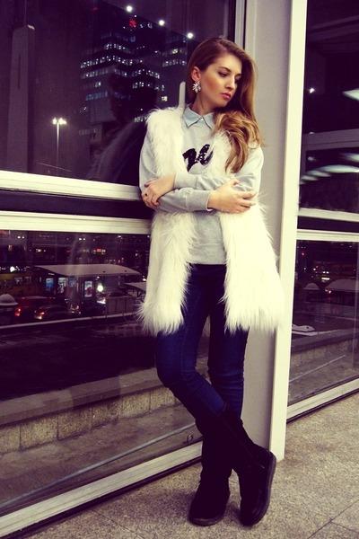 ivory Lookbook Store vest - black Emu boots - navy Cubus jeans