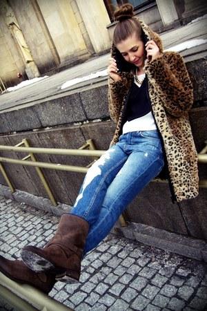 house coat - light brown Tommy Hilfiger Denim boots - sky blue pull&bear jeans