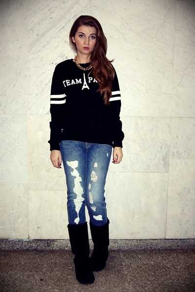 black Emu shoes - pull&bear jeans - black Misbhv sweatshirt - gold H&M necklace