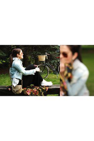 Cubus jacket - black H&M dress - Converse shoes - Ray Ban sunglasses - H&M scarf