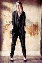 black preen pants