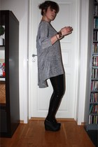 black leggings - gray H&M t-shirt - black Jeffrey Campbell shoes