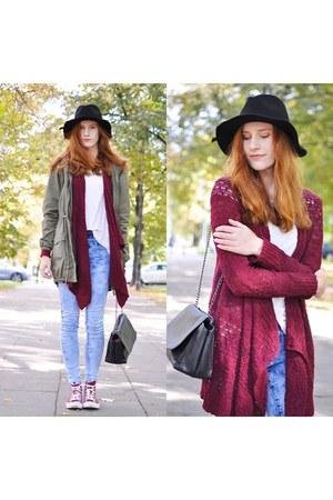 burgundy American Eagle sweater